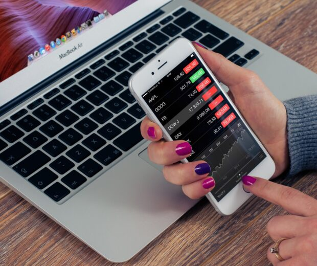 Learning how to monitor your money is a job in and of itself. What are the finance apps that ought to be on your radar? Tap here to discover more.