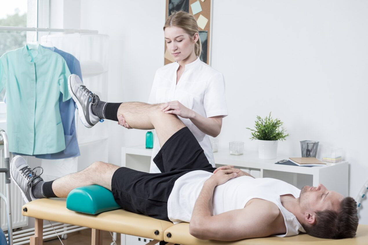 Finding the right professional to help you with physical therapy requires knowing your options. Here are factors to consider when picking physical therapists.